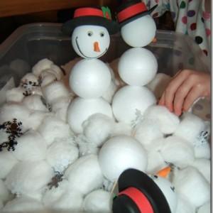 Build a snowman sensory tub