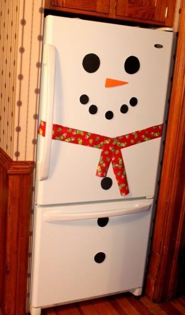 Snowman Fridge - 10 homemade Christmas decorations for kids to make