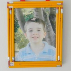 Pencil frame - a back to school craft for kids