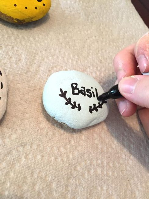 Make these cute garden markers for kids in a simple painted rock activity.