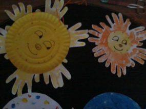 HAND PRINT SUNS