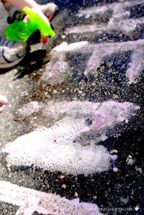 fizzy-sidewalk-chalk-recipe