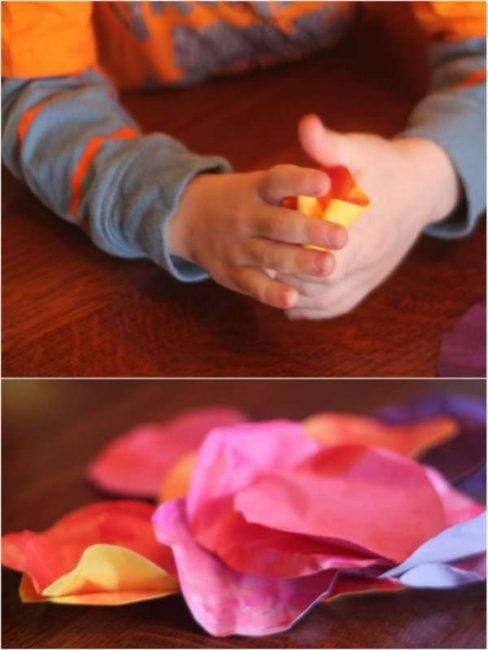 Crumple up the paper circles to make your 3D flower cards in this Mother's Day craft for kids to make