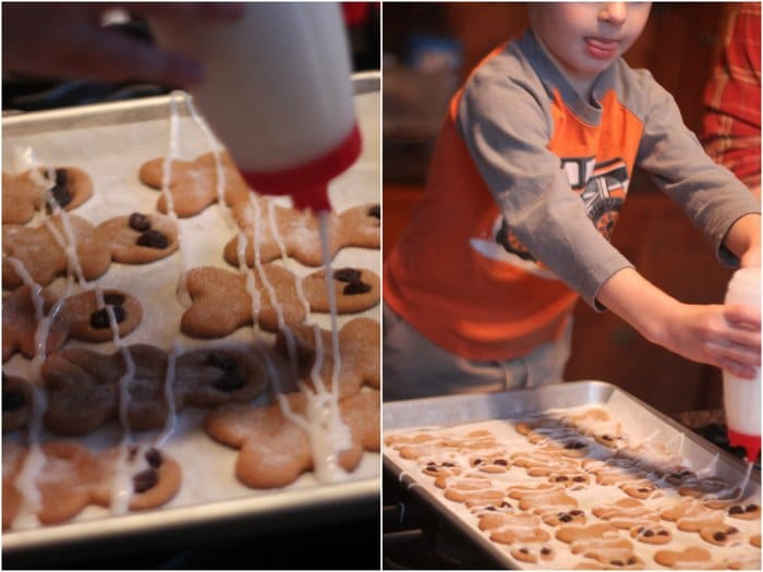 Dressing the Gingerbread Mummies for Halloween