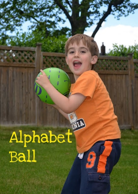 Alphabet ball game for to learn phonics - a common core activity for Kindergarten