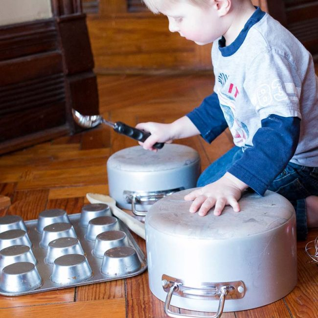 pots and pans sensory-20160302-4463