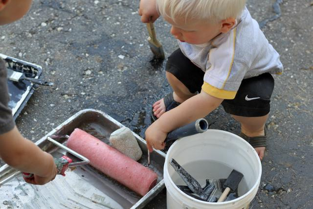 Painting the Driveway Water Activity (3)