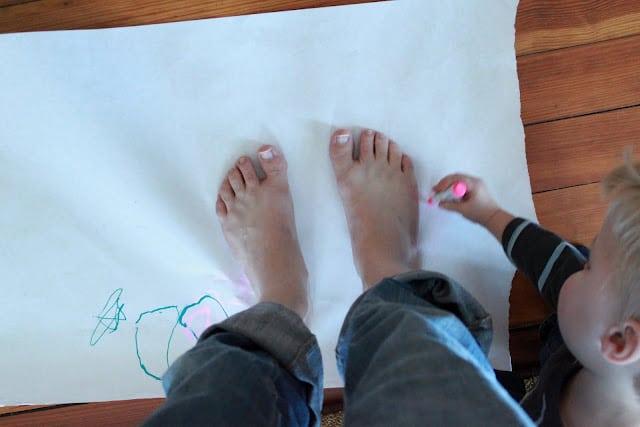 big versus small feet tracing