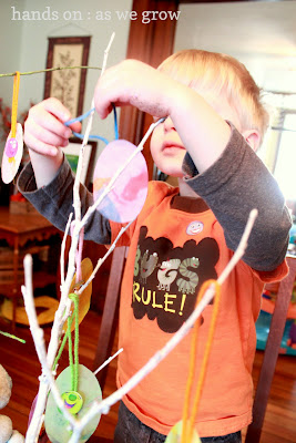 shaving cream easter egg craft