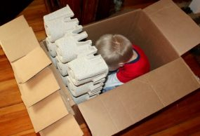 30 Days to Hands on Play : Play in a Box