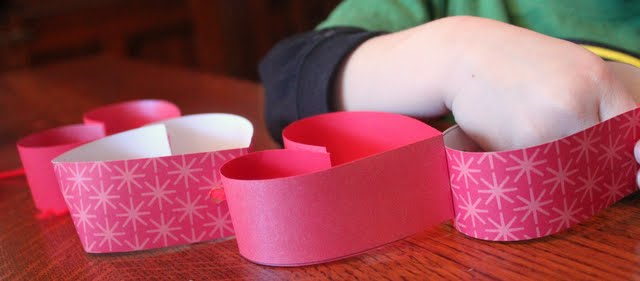 valentine's day craft for kids, strings of hearts