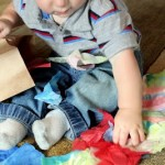 Toddler Activity : Tissue Paper Bag