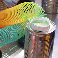 A tin can magnetic play set