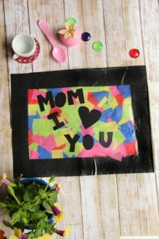 Kids will love to make this Mother's Day suncatcher craft!