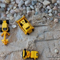 Make a sandbox construction site!