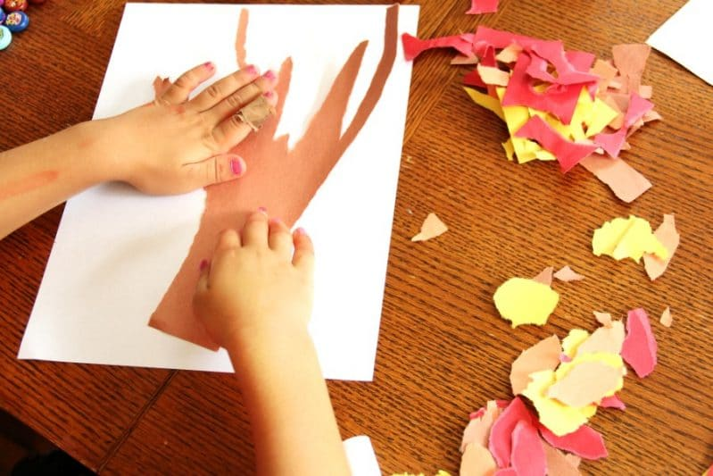 Kids can build fine motor strength with a Fall Fine Motor Tree Craft.