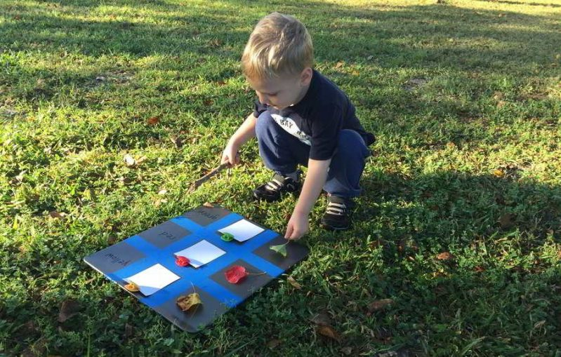 Make a beautiful Fall leaf toddler color chart to teach color recognition.