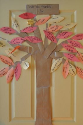 Thanksgiving Thankful Tree. A simple and fun activity to focus on gratitude with your kids.