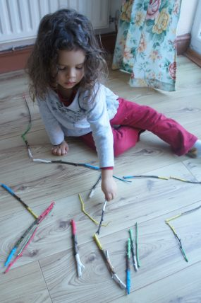 Make a simple color matching game with these DIY domino sticks!