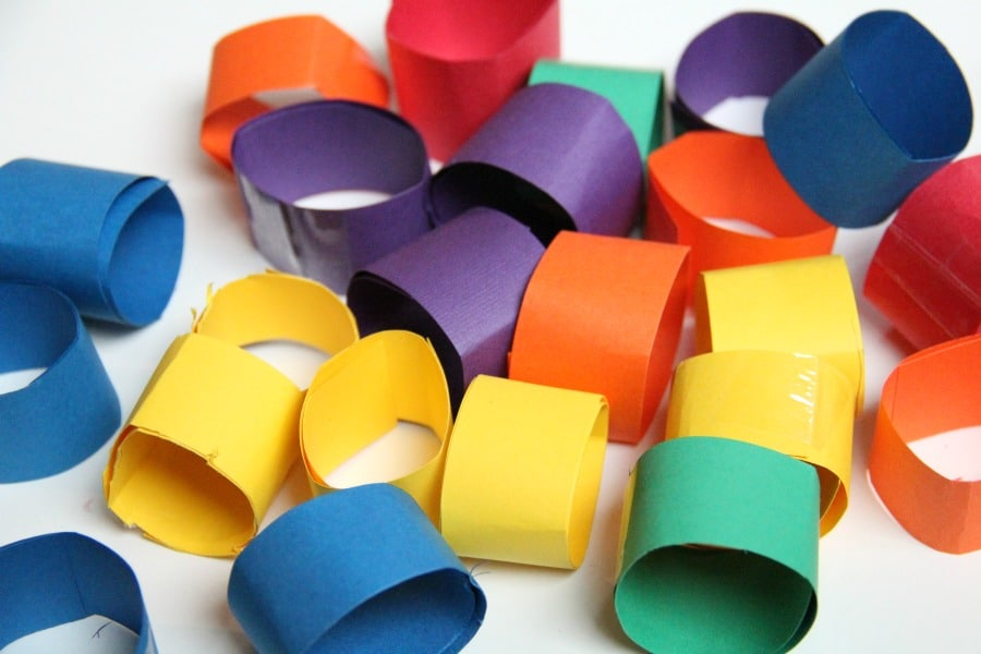 Use rolled paper to make DIY building blocks