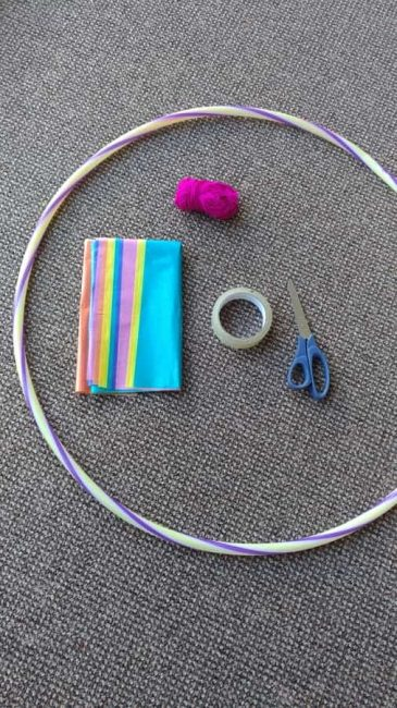 This hula hoop smash activity is great for working upper body strength and what kid doesn't love a good smash?