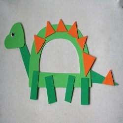 D for Dinosaur Craft- Little Page Turners