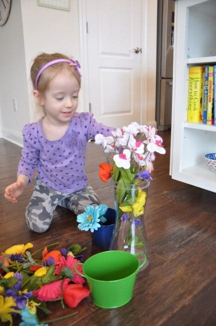 Spring flower pretend play is a colorful way to get ready for spring!
