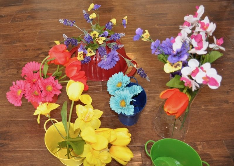 Spring flowers are perfect for pretend play or color sorting!
