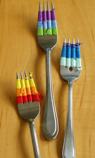 This quick craft for kids is perfect for the dinner time witching hour
