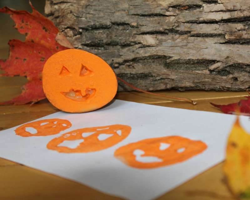 Cute pumpkin stamping for Halloween!