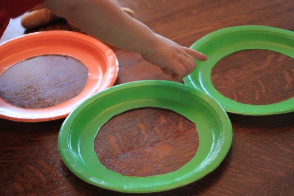 Use paper plates to make your suncatcher frame.