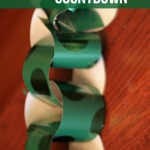 Countdown to Christmas: Wrapping Paper Chain