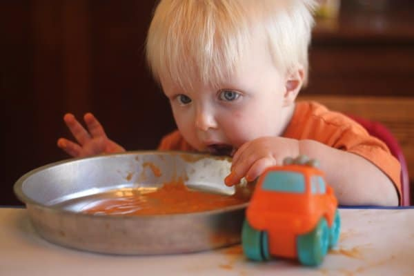 Edible finger paint - baby food!
