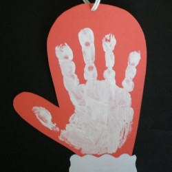 Handprint Mitten Craft - 1 of 40 winter activities for toddlers
