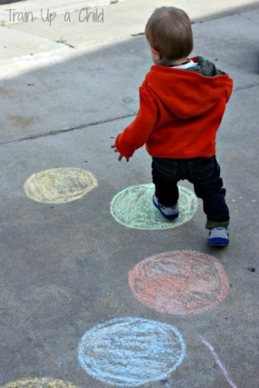 Toddler-Color-Hop-Simple-gross-motor-game-for-toddlers-to-teach-color-recognition-9