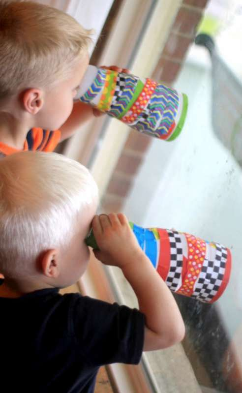 Using the DIY telescope craft for kids
