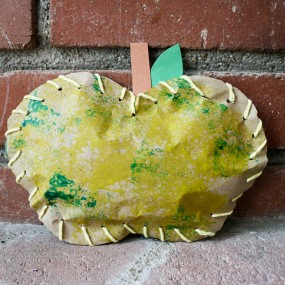 Stuffed Paper Apples from Buggy and Buddy