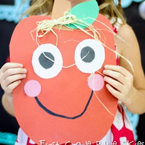 Smiley Apple Craft from First Grade Blue Skies