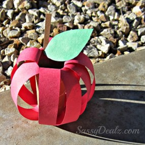 3D Apple Craft from Crafty Morning