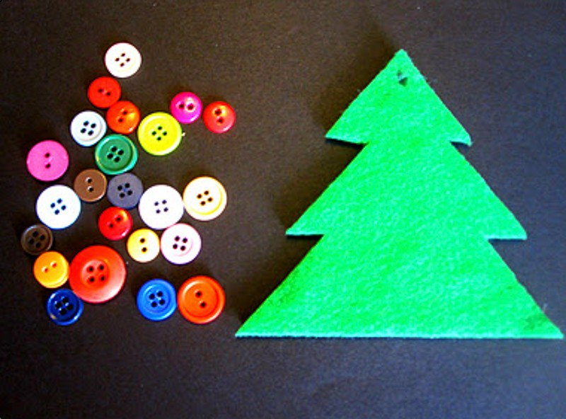 button tree ornament-20151117-10