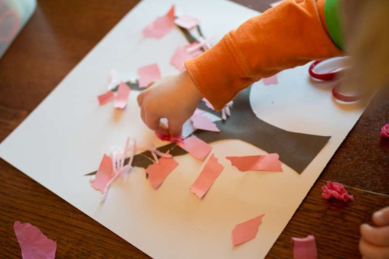 Get creative with a spring tree craft for toddlers