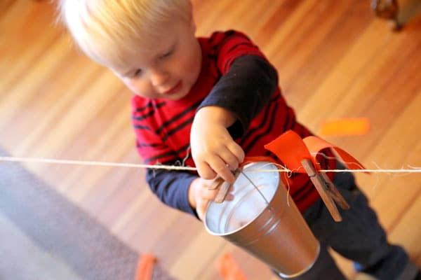 Fine motor clothesline activity for toddlers