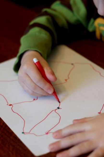 Preschoolers can connect the dots however they choose