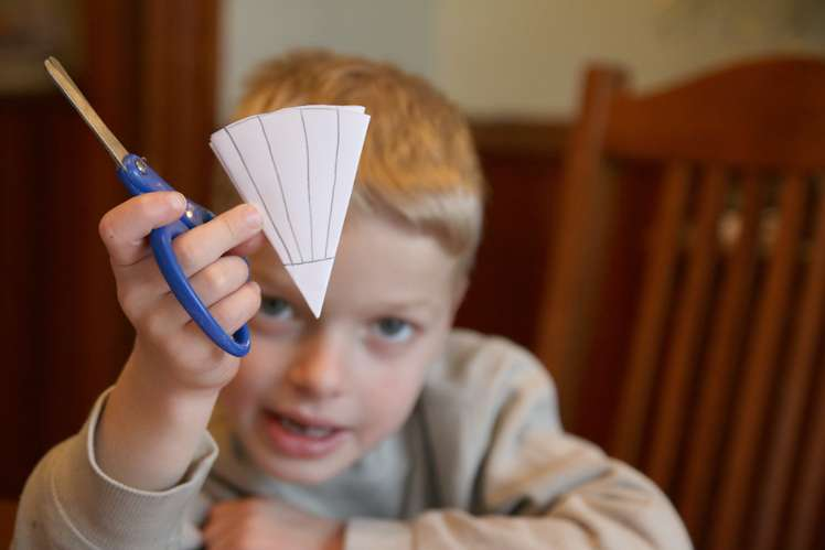 An easy way to cut snowflakes for kids