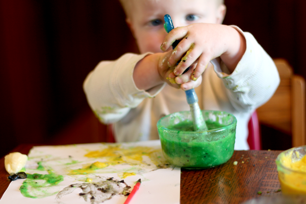 Make homemade paint that's edible for babies - made with fruit!