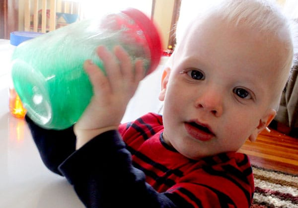 Soapy sensory jars activity for toddlers - shake shake shake!