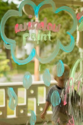 A simple homemade window paint recipe to get creative!