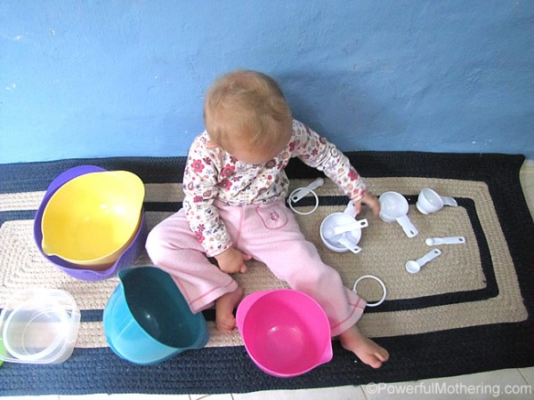 how-to-keep-a-toddler-busy-in-the-kitchen