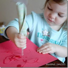 Painting with icicles from Mama Smiles – Joyful Parenting