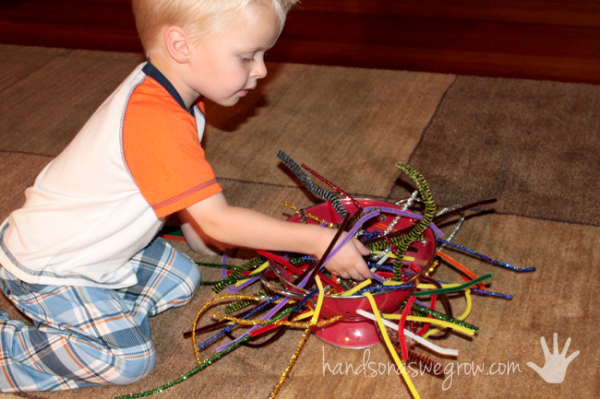 pipe-cleaner-activity-decoration